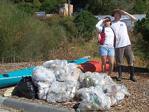 gallinas_coastal_cleanup_trash