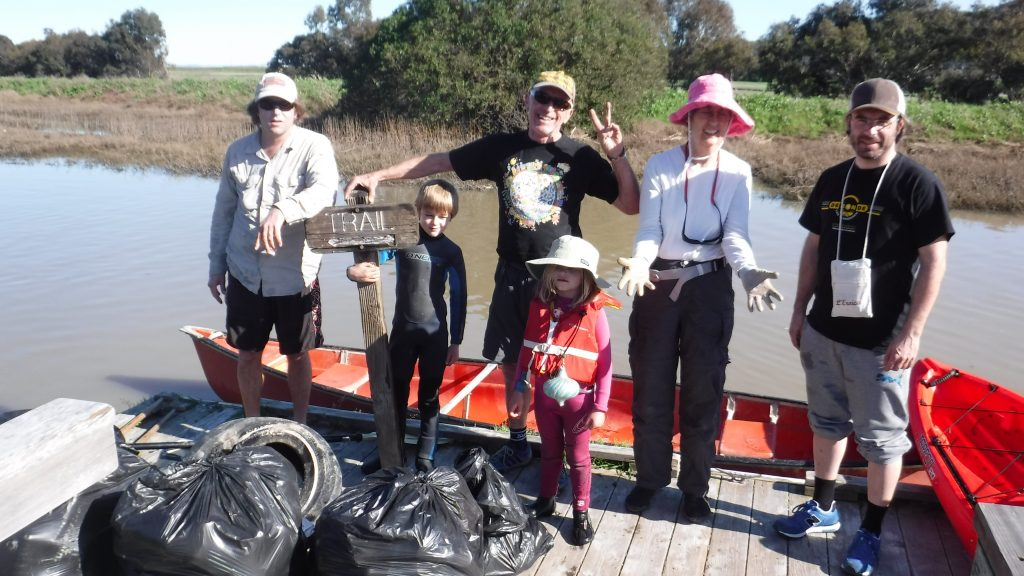 Volunteers at the King Tide Creek Cleanup